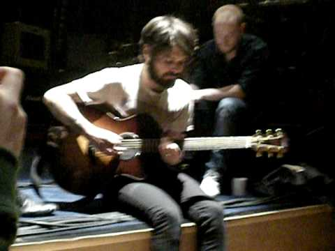 Biffy Clyro - Mountains </Body></Html> video