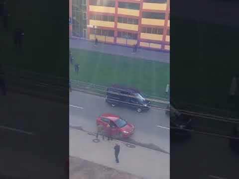 Автомобиль вылетел с 8 этажа в Санкт-Петербурге