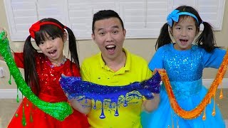 Emma & Jannie Pretend Play Making Satisfying Colorful Glitter Glue Slime