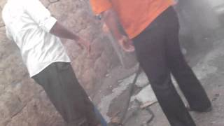 preview picture of video 'الباب_اطفاء الحرائق وانتشال الجثث جراء القصف جـ1 14-9'