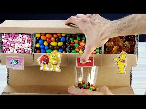 ¡Este dispensador de caramelos de cartón será el éxito de tus fiestas!