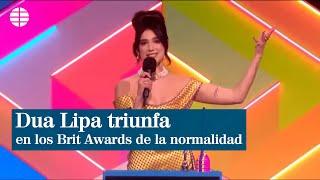 Dua Lipa triunfa en unos Brit Awards dominados por las mujeres