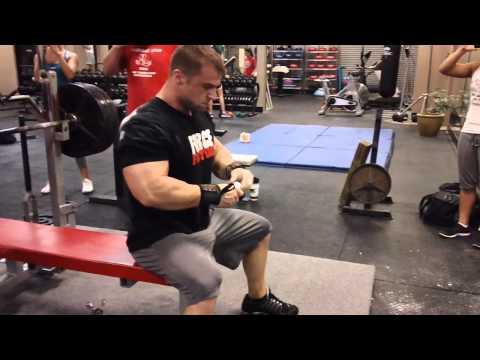 Garrett Gunz Griffin 500lb Raw bench press @198bw. Team BOAD Team Force Factor