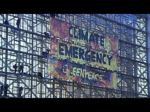 Βρυξέλλες: Ακτιβιστές της Greenpeace στα κεντρικά της ΕΕ