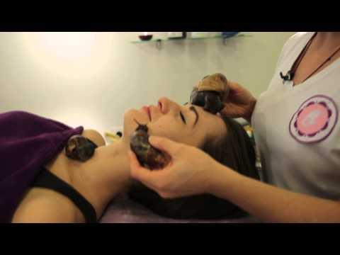 Как убрать темные круги глаза с помощью макияжа