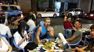 Thanh niên ngẫu hứng hát siêu phẩm DESPACITO tại Vỹ Dạ Quán khiến thực khách vỗ tay ầm ầm