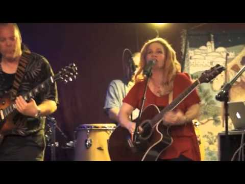 Coffee Song-live -Julie Kinscheck & LIFLIGHT