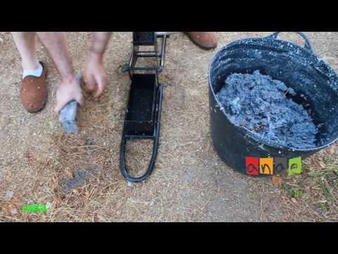 Fabricación de briquetas con la prensa manual