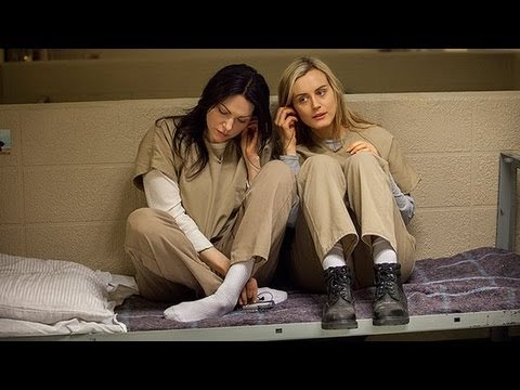 12 Questions We Need Answered on Orange is the New Black Season 2