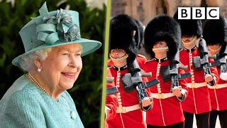 The Queen's Official Birthday 2020 👑💂🏿♂️🎂 - BBC