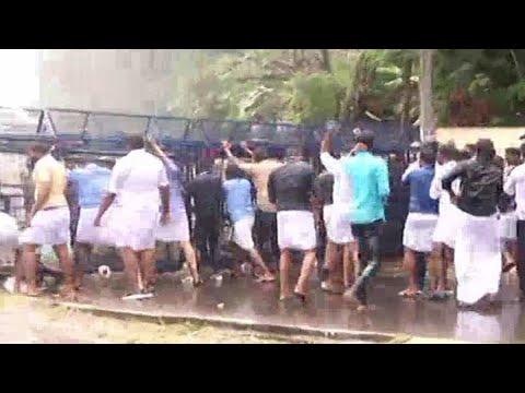 കെഎസ്യു നിയമസഭാ മാർച്ചിൽ സംഘർഷം; പൊലിസ് ജലപീരങ്കി പ്രയോഗിച്ചു  | KSU Niyamsabha March