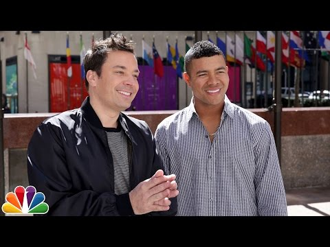 MLB Pitcher Who Learned English from Jimmy Fallon Teaches Him Some Spanish