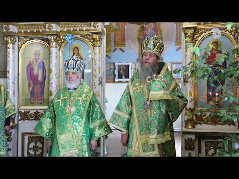 В день Святого Духа митрополит Даниил совершил Литургию на архиерейском подворье в Смолино