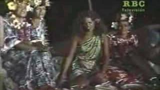 Con La Misma Piedra - Julio Iglesias  (Video)