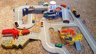 Hot Wheels World America's Highway Playset Track Hotel McDonalds Post Office