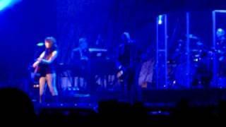 Alanis Morissette Flinch (11-17-08)