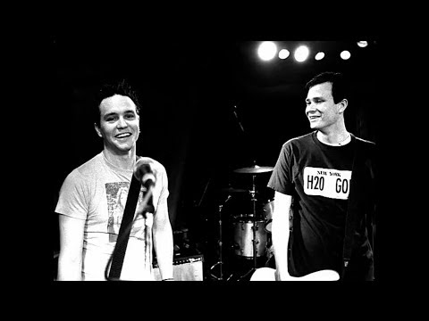 Blink-182 - Blame It On My Youth - Petrovich859