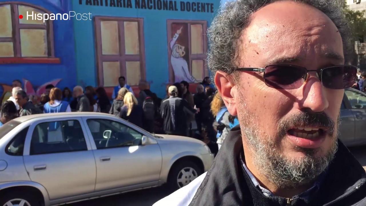 Maestros argentinos cambian el paro por la escuela itinerante