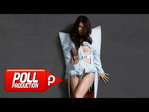 Hande Yener - Beni Sev klip izle