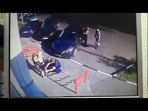 Пьяный водитель автомобиля Mazda сбил девочку на тротуаре в Королеве
