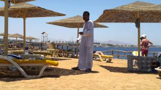 прикол на пляже.Египет.Шарм-Эль-Шейх.2012г