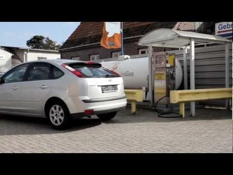 Das Benzin der Preis 10 der Liter
