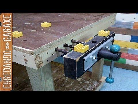 Cómo instalar un tornillo de apriete en el banco de carpintero. Installing workbench vise