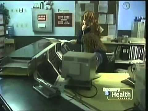 Download Rescue 911 Boy Vs Alligator Video 3GP Mp4 FLV HD Mp3