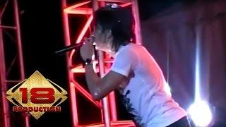 Peterpan - Menghapus Jejakmu  (Live Konser Batam 1 April 2008)