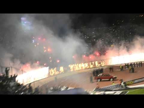 """Ingreso del Santo!! San Jose vs Corinthians Copa Bridgstone Libertadores 2013"" Barra: La Temible • Club: San José"