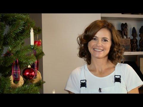Albero di Natale fai da te con candele e biscotti (e renna)