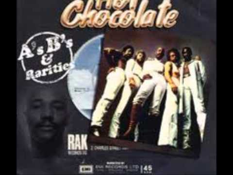HOT CHOCOLATE - WHAT KINDA BOY YOU'RE LOOKIN' FOR  ( GIRL )  VINYL 1983