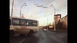 Маршрутка перевернулась в Кемерове