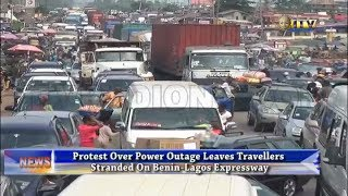 Protest over power outage leaves travelers stranded on Benin-Lagos expressway