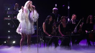 Kesha Performs Hit Song
