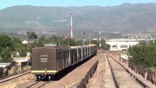 preview picture of video 'Tren del Belgrano Cargas y Logística (FCGB) llegando a Mendoza (FCGB)'
