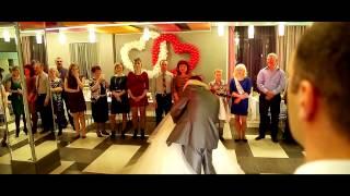 Невеста поет песню папе