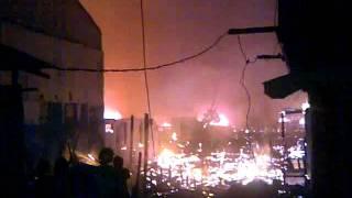 preview picture of video 'Kebakaran di Balikpapan Permai (14/12/11)'