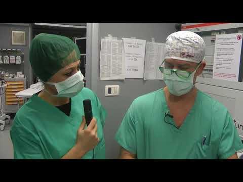 Scoliosis osteochondrosis in reparto cervicale di una spina dorsale