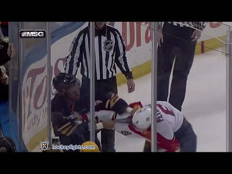 Evander Kane vs. Alex Petrovic