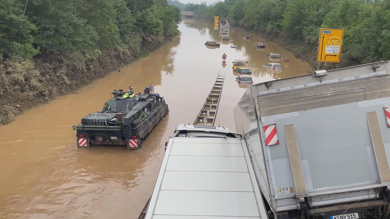 Γερμανία – πλημμύρες: Μέρκελ και Σταϊνμάιερ στις πληγείσες περιοχές – Τουλάχιστον 133 οι νεκροί