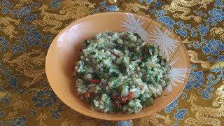 Рис, маш, центурион и свинина - отличное блюдо, похожее на кичри.