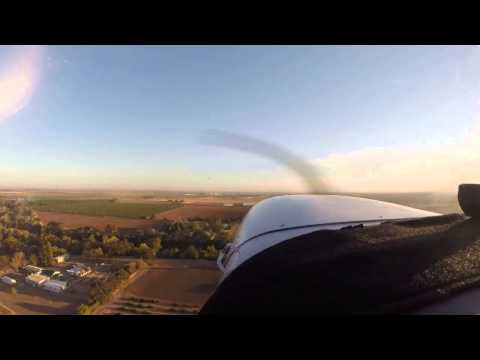 Cessna 172SP Flying the Traffic Pattern
