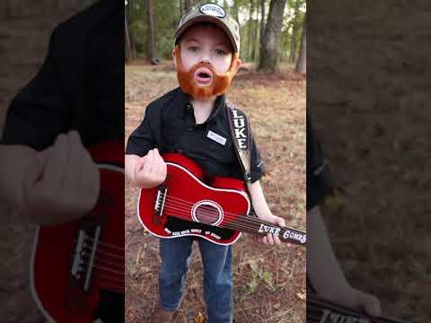 Luke Combs Halloween costume - Rhett singing Beer never broke my heart from the beginning