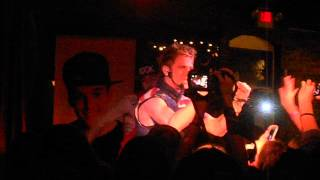 Aaron Carter 31913 another earthquake