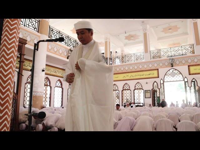 Sholat Jum'at di Masjid Az-zaky Pondok Modern Tazakka