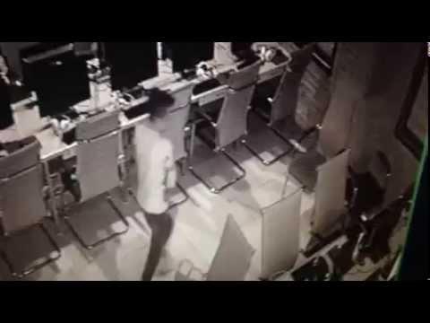 Game thủ ăn trộm iPhone tại quán net
