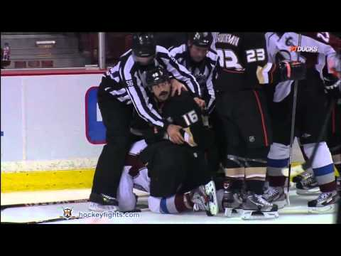 Mark Bell vs. Cody McLeod