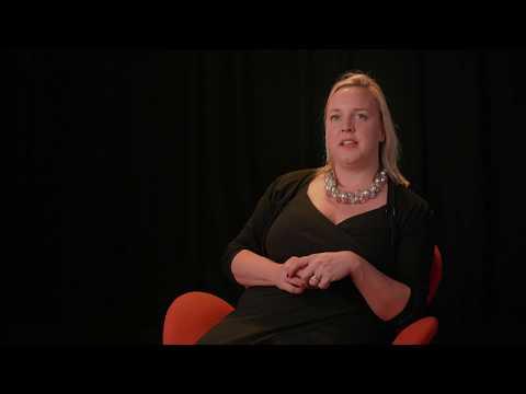 Antonia Wade invites Bonnie Pelosi to interview with HotTopics.ht