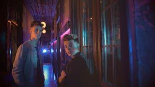 Muy Lento - Adexe  Nau (Videoclip Oficial)
